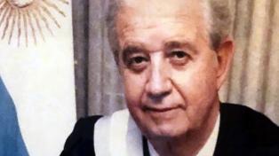 Velan en la Legislatura al ex gobernador Carlos Enrique Gómez Centurión