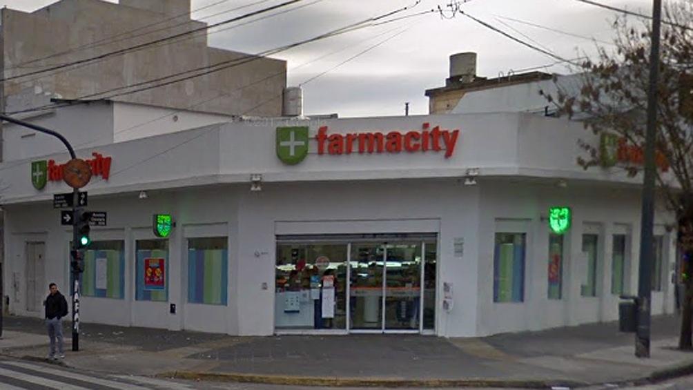 Procesan a ex funcionario de Macri por protección a Farmacity