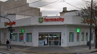 Procesan a un ex funcionario acusado de frenar multas contra Farmacity