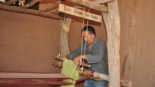 Santa Clara, el pueblo riojano cuyo principal atractivo es el hombre de los telares