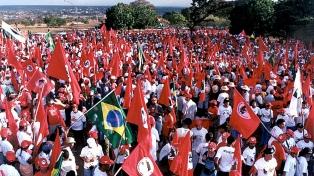 Movimientos sociales protestan contra la Red O´Globo
