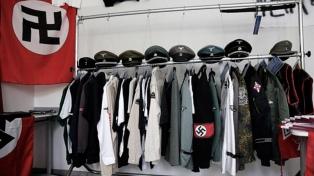 Regalan entradas para obra sobre Hitler a quien lleve una esvástica