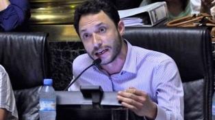 """Ferraro defendió un debate legislativo para no """"cometer errores"""" que lleven al """"fascismo"""""""