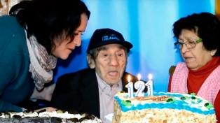 """A los 121 años, murió """"Don Celino"""", considerado el hombre más viejo del mundo"""