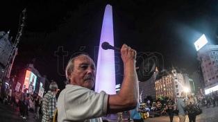 """Se realizó un """"ruidazo"""" nacional, con protestas y cacerolazos contra la suba de tarifas"""