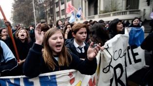 Miles de estudiantes protestaron en varias ciudades contra el sexismo en la educación
