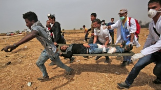 Cuatro palestinos muertos y más de 400 heridos en el cuarto viernes de protestas
