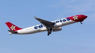 Autorizan a la línea aérea Edelweiss a operar la ruta Buenos Aires-Zúrich