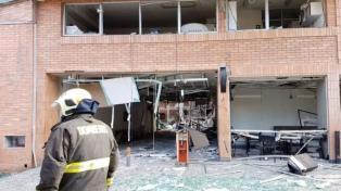 Tres muertos y 50 heridos por una explosión de gas en una clínica