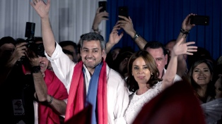 Con suspenso y un final apretado, Mario Abdo Benítez es el nuevo presidente