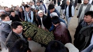 Otro ataque a un centro electoral afgano deja nueve militares muertos