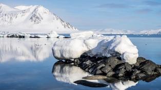 El hielo marino transporta grandes cantidades de contaminantes plásticos por el Ártico