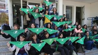 Universitarias e investigadoras firmaron por la despenalización del aborto
