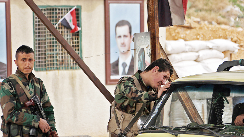 Tropas sirias avanzan en territorio kurdo hacia la frontera turca