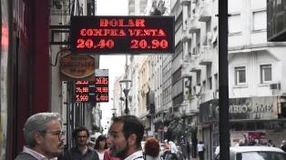 El dólar cerró a $20,83: qué opinan los economistas sobre la suba