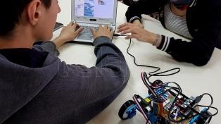 Casi un cuarto de las secundarias ya usan robots y drones para apoyar la enseñanza