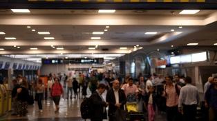 El movimiento de pasajeros en Aeroparque es superior por el paro de ayer