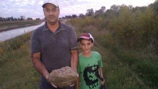 Tiene 11 años, halló fósiles y ahora enseña en su escuela cómo preservarlos