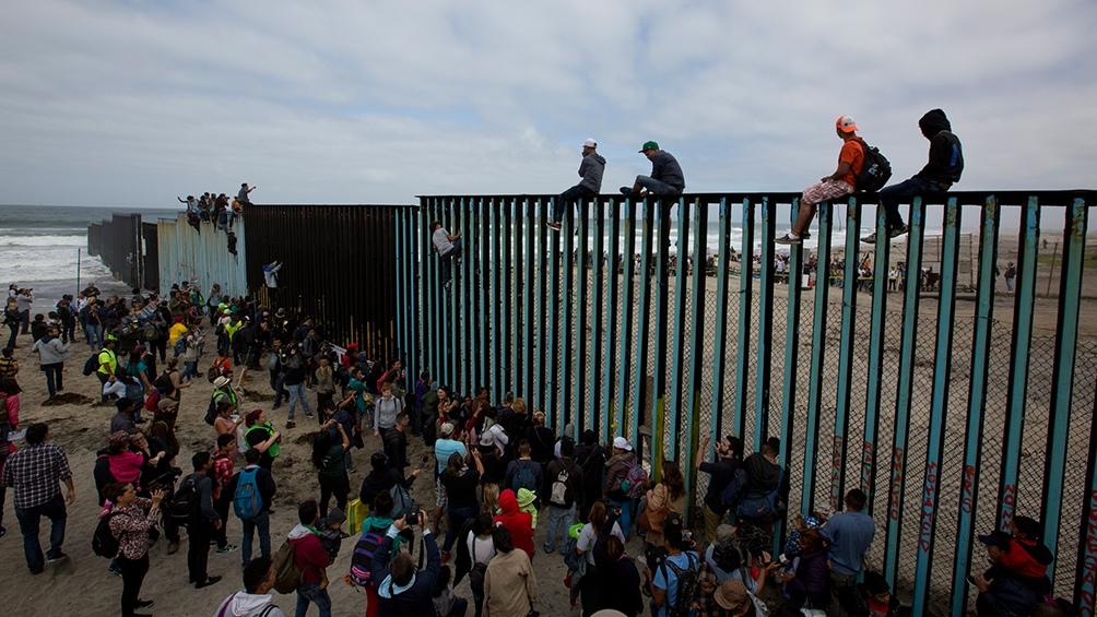Resultado de imagen para Migrantes centroamericanos llegan a frontera México-EEUU