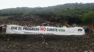 Movilización de vecinos y ambientalistas para rechazar la autovía serrana