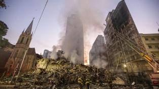 """Es """"improbable"""" hallar sobrevivientes en los escombros del edificio derrumbado"""