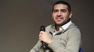 """Tevez sigue siendo el líder del equipo"", afirmó Riquelme"