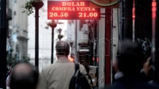 El dólar subió 64 centavos y cerró en un nuevo máximo de $21,52