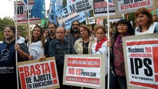 Gremios docentes bonaerenses pidieron audiencia con Vidal
