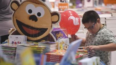 El Mundial también se juega en las librerías: goles y amores para los más chicos