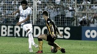 Atlético Tucumán le ganó a Peñarol y sueña con los octavos