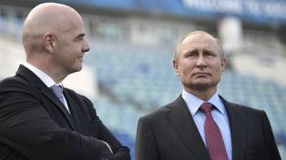 Putin le confirmó a Infantino que todo está listo para la Copa