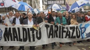 Gremios de la CGT y la CATT marcharon al ENRE contra los aumentos de tarifas