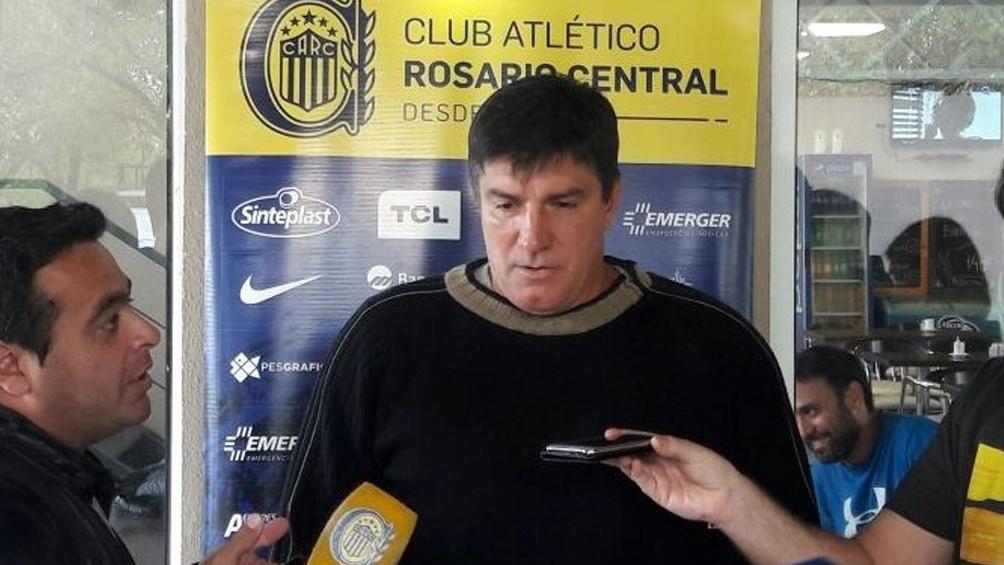 El entrenador argentino José Chamot no continuará en Libertad de Paraguay