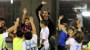 Fútbol sin árbitro y artes marciales no competitivas ganan terreno entre los chicos