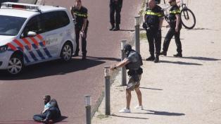 Tres personas fueron acuchilladas en La Haya: el agresor fue detenido