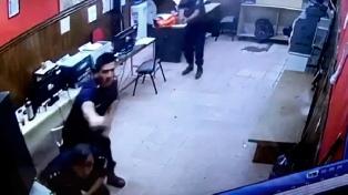Prisión preventiva a la banda que entró a los tiros a la comisaría de San Justo