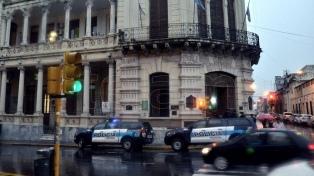 Allanaron la Municipalidad de Paraná por una causa de narcotráfico que involucra al intendente
