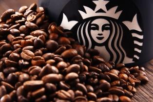 Nestlé le paga a Starbucks U$S 7.150 millones por vender su café en supermercados