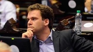 """""""Veo que la oposición intenta sacar alguna ventajita electoral"""", dice el """"lilito"""" López"""
