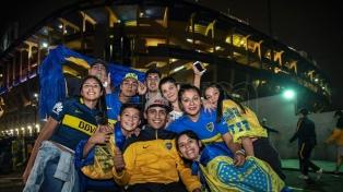 Boca volvió al triunfo ante Colón