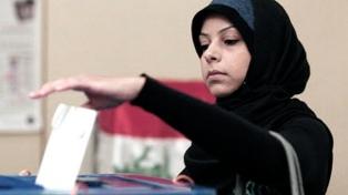 Policías, militares, presos y emigrantes votan en las elecciones