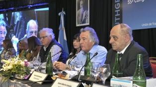 Barrionuevo anuncia una cumbre no kirchnerista el 17 de octubre en Tucumán