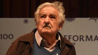 """Mujica: """"El triunfo parece difícil, pero lo imposible cuesta un poco más"""""""