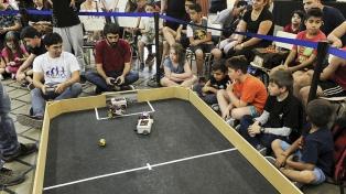 En Guaymallén funciona la primera escuela argentina de robótica y programación