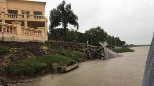Dos muertos, cientos de evacuados y parajes aislados por temporal en 5 provincias
