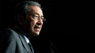Renuncia el primer ministro en medio de tensiones de la coalición gobernante