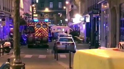 Un hombre acuchilló a varias personas en París: un muerto y cinco heridos