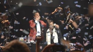"""Palito Ortega y Cacho Castaña celebraron su primer show """"Juntos"""" en el Luna Park"""