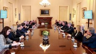 """Jefes de bloque del Senado apoyan la """"defensa de la estabilidad financiera"""""""