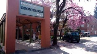 Estudiantes tomaron una facultad contra un docente acusado de discriminar a sus alumnas